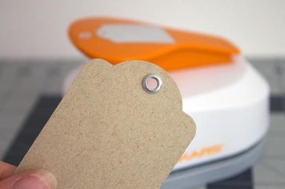 Perforadora Tags w/Eyelets Fiskars