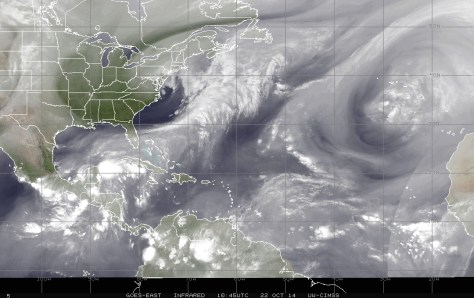 Satellite image (NOAA) of 22 October 2014 showing water vapor in the atmosphere, which highlights the cell of disturbed weather near the Florida straits and northwestern Cuba that has been generating plenty of rain, causing flooding, over South Florida