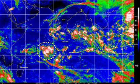 Color-enhanced infrared satellite image of 16 November 2014 (NOAA) showing a tropical wave with potential for cyclonic development in the southern Indian Ocean to the  west of Madagascar