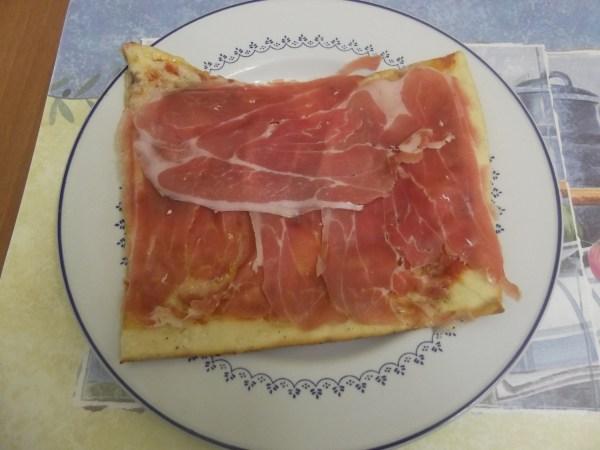 pizza + crudo