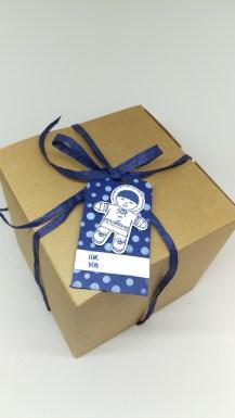 stampin-up-geschenkanhanger-marineblau-ausgestochen-weihnachtlich-1