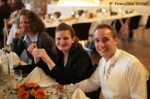 Gäste mit dem Bräutigam