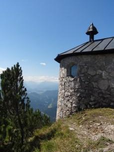 Kapelle auf dem ersten kleinen Gipfel.