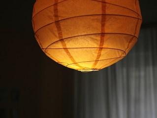 Papierlampe in orange
