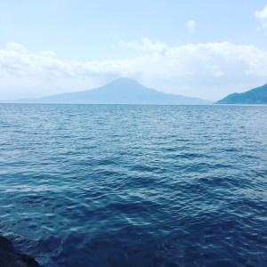 海岸からみた桜島