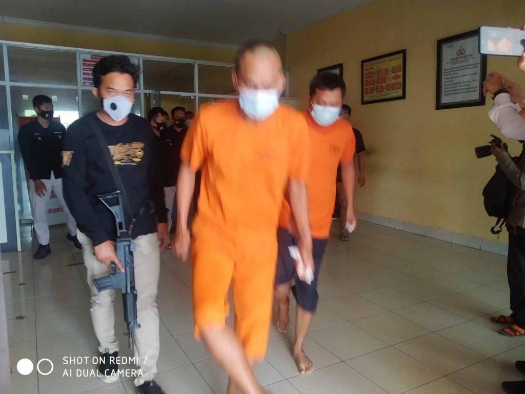 Gambar Tim Reskrim Polres Serang Kota Berhasil Bekuk Kawanan Spesialis Pecah Kaca Mobil 3
