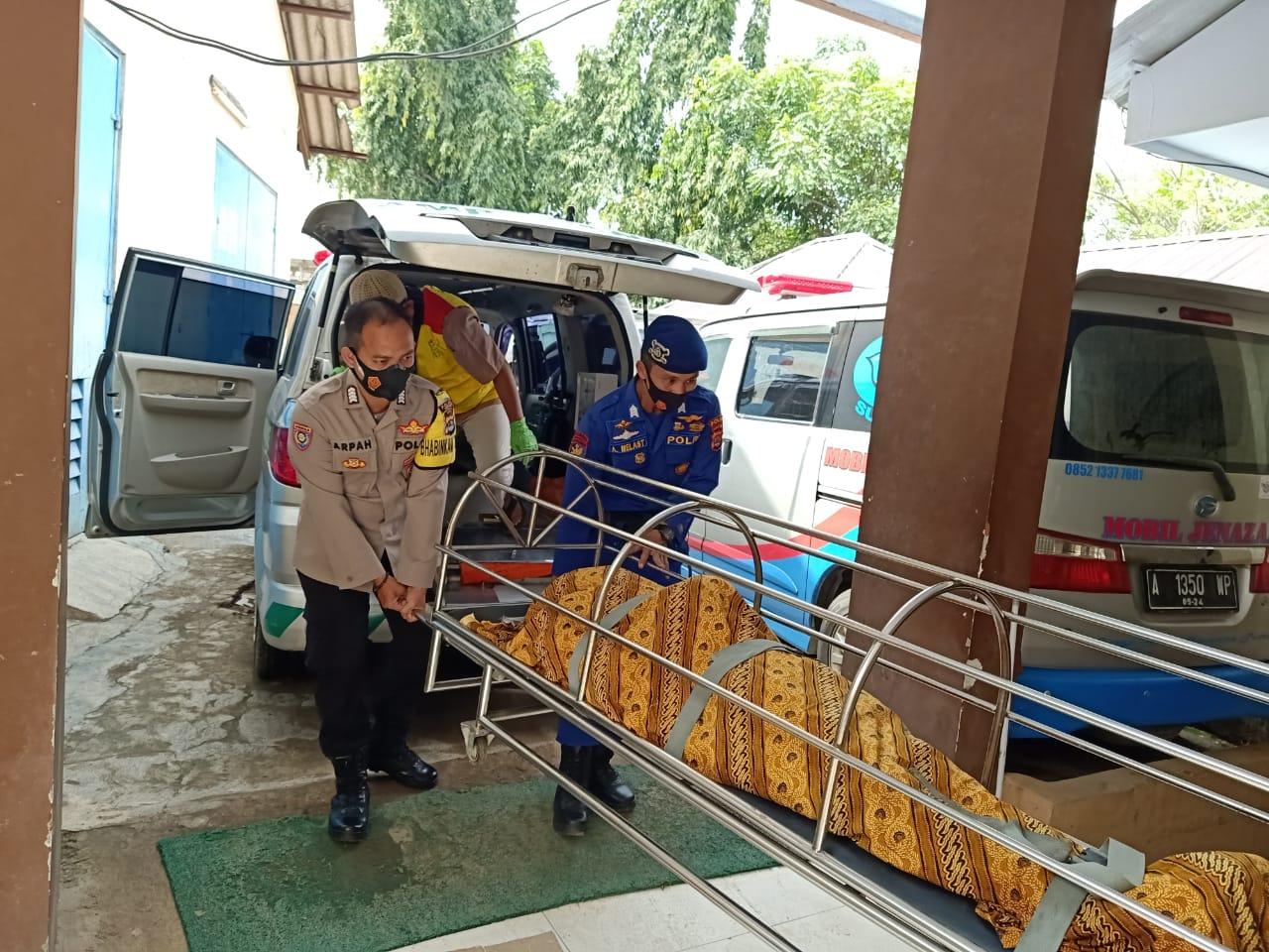 Gambar Angin Puting Beliung Terjang 6 Pemancing di KM Sampoerna 13