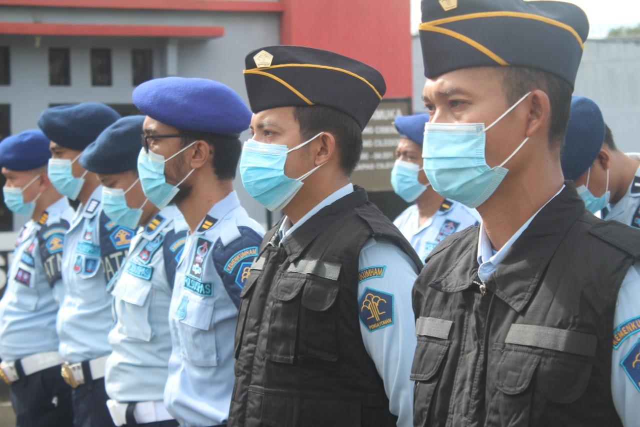 Gambar Ditengah Pandemi ini, Kalapas Cilegon Berkomitmen Berikan Layanan Prima kepada Masyarakat 13