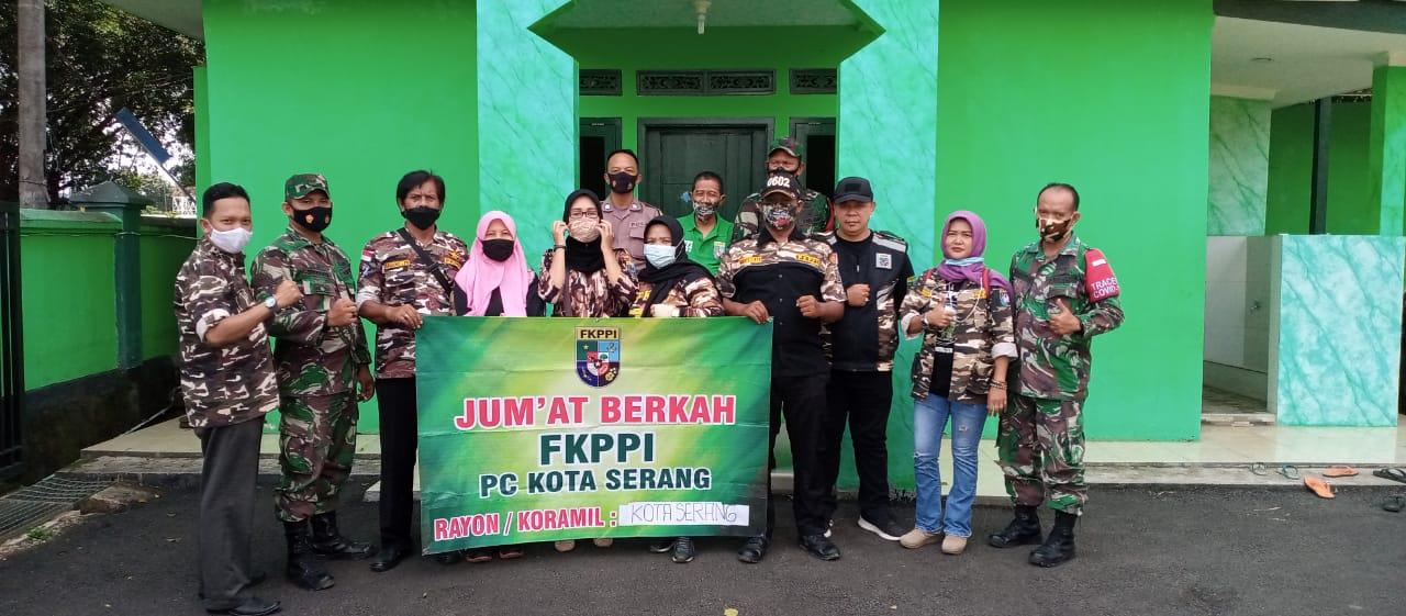 Gambar FKPPI Kota Serang Bersama Koramil 0201/Serang Laksanakan Kegiatan Jumat Berkah 11