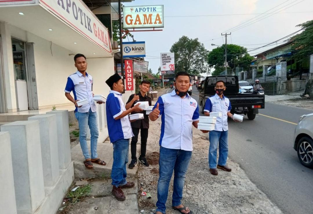 Gambar DPC MOI Kabupaten Serang Bagi-bagi Takjil dan Bukber di Gama Gofood Centre 1
