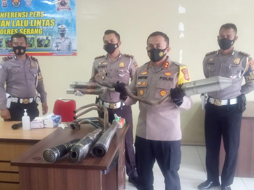 Gambar Ratusan Knalpot Brong Disita Polisi, Kapolres Serang: Knalpot Brong Mengganggu Ketenangan Masyarakat 11