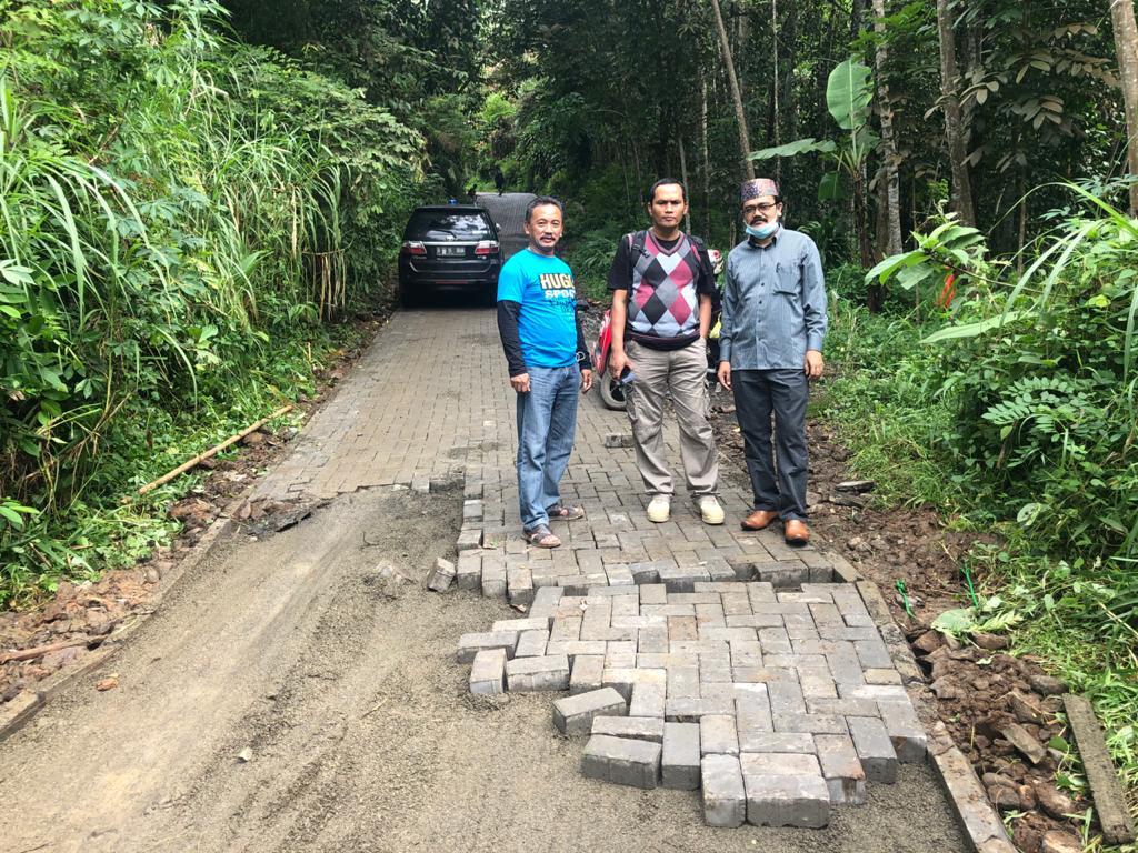 Gambar DPRD Provinsi Banten Kembali Soroti Pembangunan Paving Blok di Kabupaten Pandeglang 1
