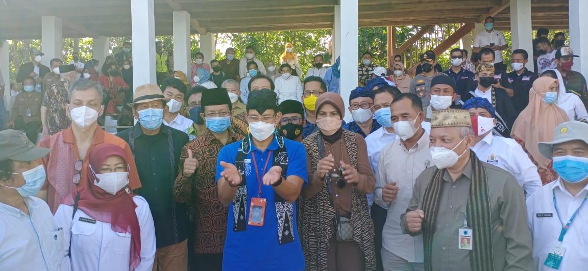 Gambar Hadiri Peresmian Kampung Agrinex Cikeusik, Sandiaga Uno Yakin Wisata Akan Ramai. 15