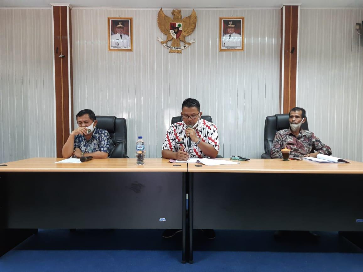 Gambar Camat Cibeber Berikan Penjelasan Terkait Perda 5 Tahun 2018 ke RT/RW Se- Kelurahan Cikerai 17