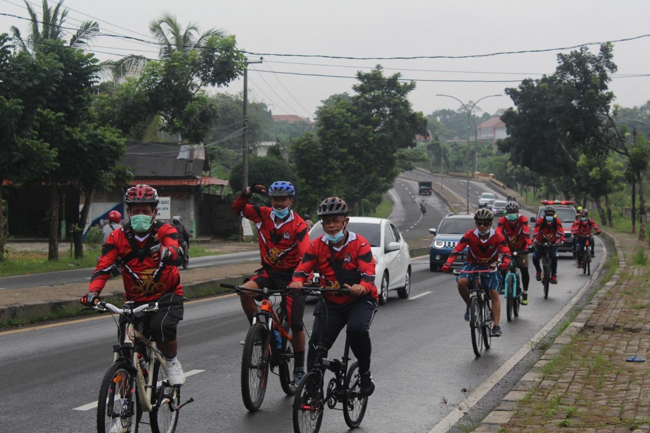 Gambar Jaga Kebugaran Tubuh Lapas Serang Gelar Fun Bike 13