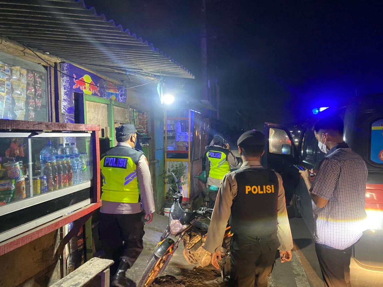 Gambar Polres Serang Amankan 12 Pria dan Wanita Saat Sedang Pesta Miras 13
