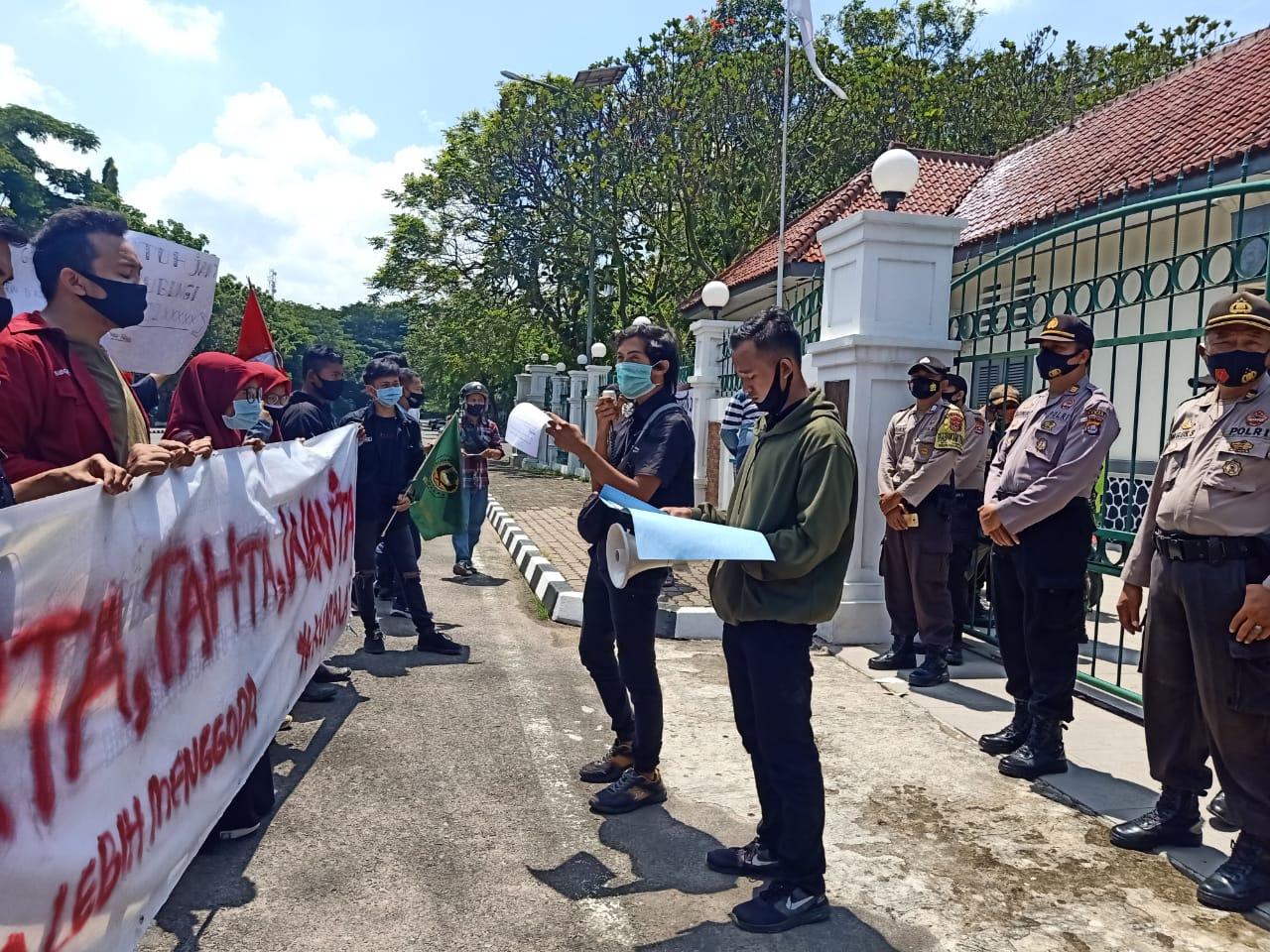 Gambar PW Kumala Layangkan Surat Audensi Ke DPRD Lebak Soal Ternak Diduga Labrak Perda 17