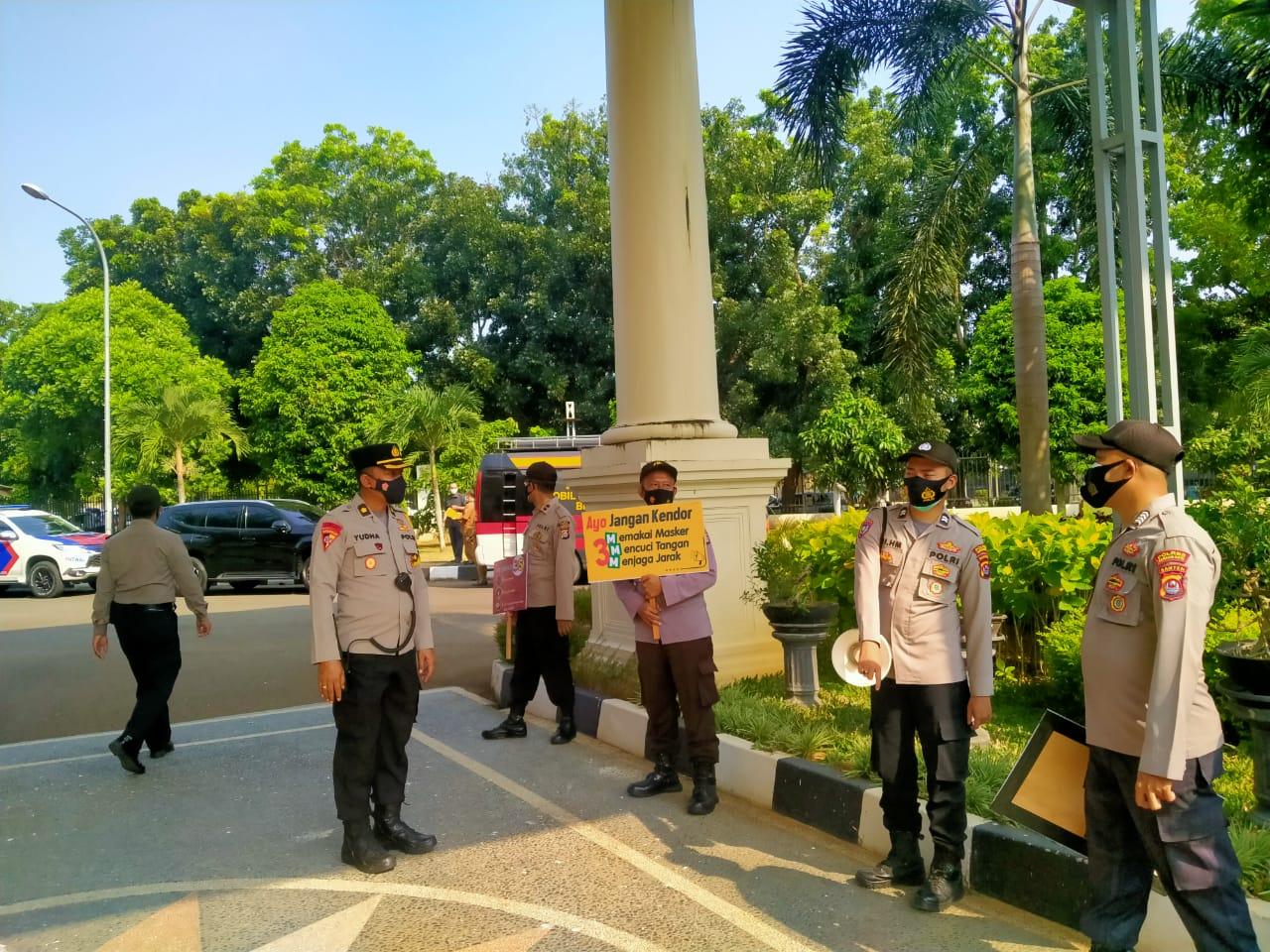 Gambar Polres Serang Kota Gelar Pangamanan Pelantikan Kepala Dan Wakil Kepala Daerah 17