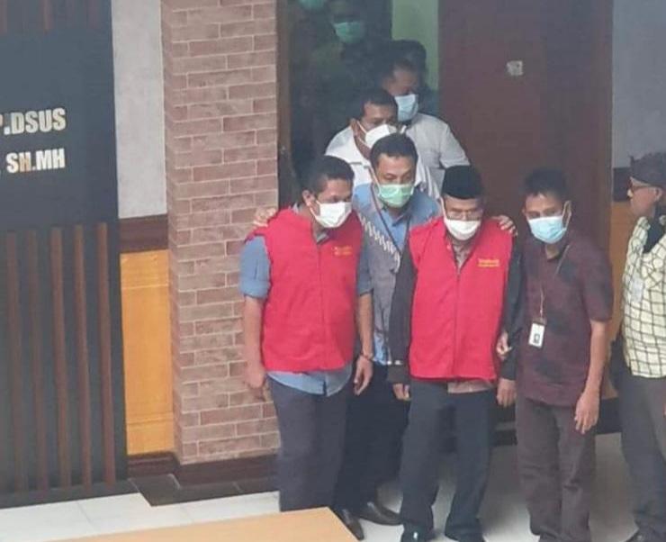Gambar Tersandung Kasus Bantuan Dana Hibah Ponpes, Dua Mantan Pejabat Biro Kesra Ditahan Kejati Banten 11