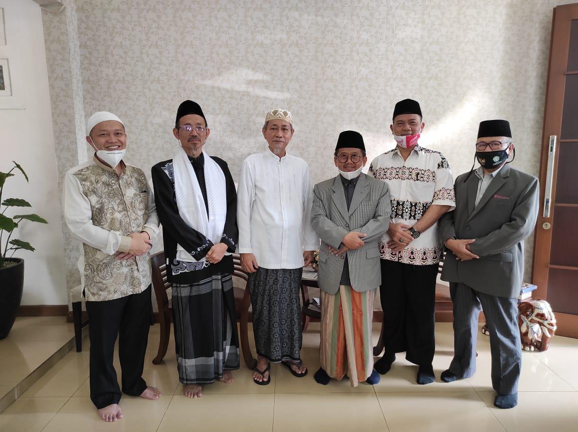 Gambar Sambut Hari Raya Idul Fitri, Pengurus FSPP Banten Halal Bihalal Kepada Ketum PB Mathla'ul Anwar 17
