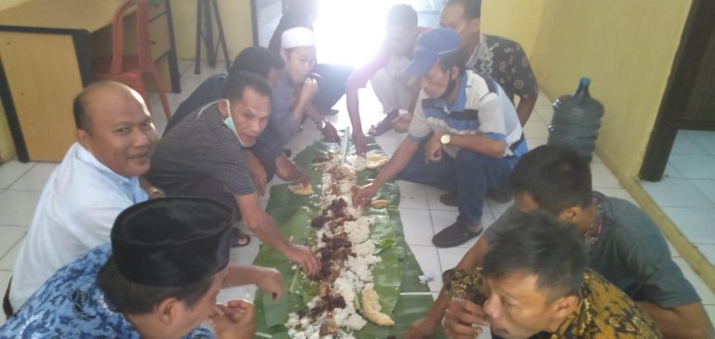 Gambar Kelurahan Cilaku Gelar Makan Bersama RT RW untuk Jalin Silaturahmi 11