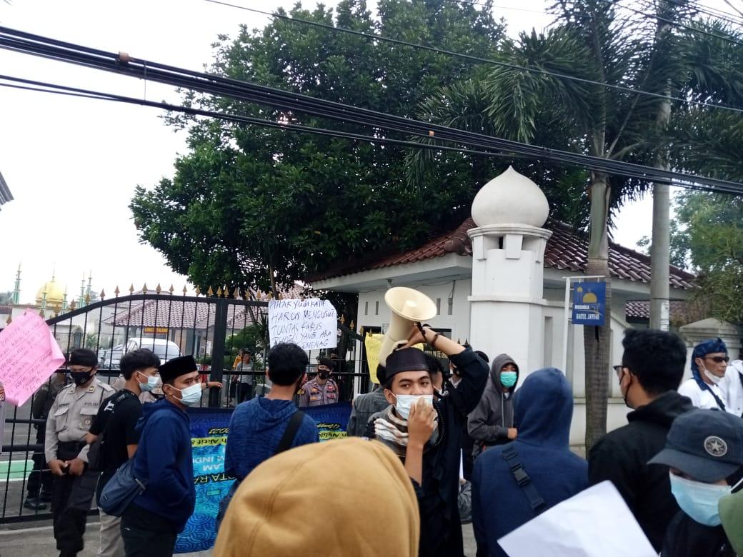 Gambar Ratusan Pontren Di Kabupaten Pandeglang Diduga Jadi Korban Aksi Sunat Masal Dana Bansos Covid, AMSIP Tuntut Pecat Oknum Kemenag 15