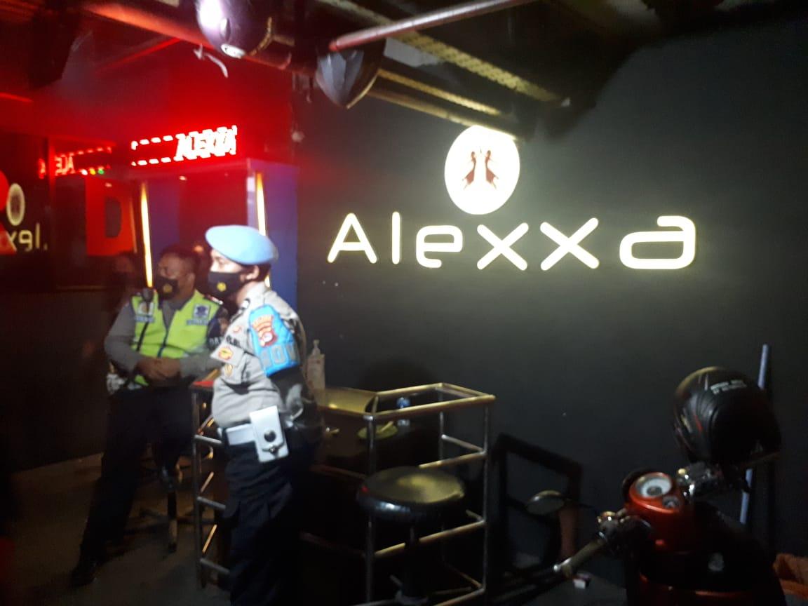 Gambar Tempat Hiburan Malam Lucky Star, Alexa dan Royal Resto Dirazia Polisi 13