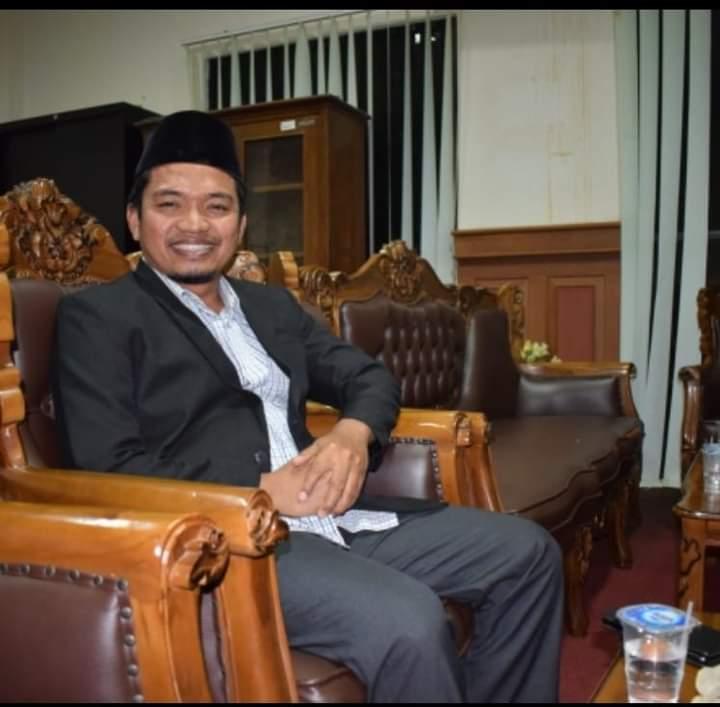 Gambar Komisi II DPRD Pandeglang, Minta Dinas Terkait Respon Adanya Temuan Pengurangan Volume Takaran Elpiji di Lapangan 11
