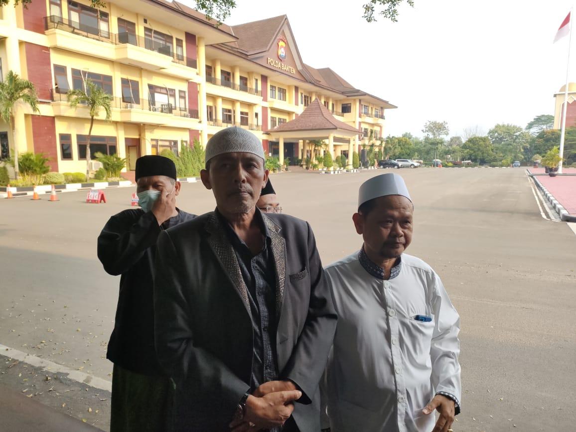 Gambar Puluhan Kiyai Pimpinan Ponpes Datangi Mapolda Banten Laporkan Uday Suhada 13