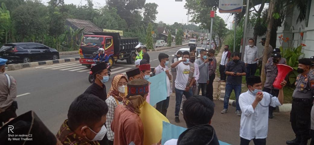 Gambar Aliansi Bela Kyai Banten Minta Kejati Tidak Diintervensi Pihak Berkepentingan 1