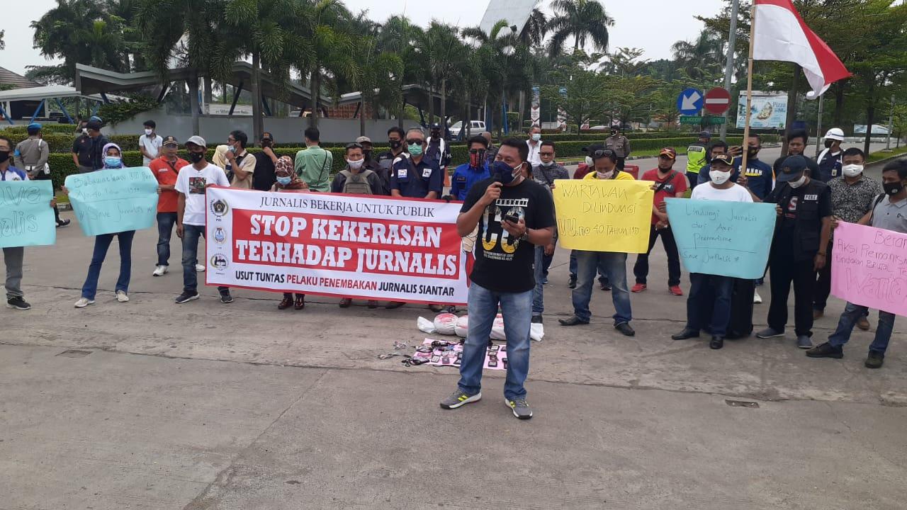 Gambar Aksi Solidaritas Puluhan Wartawan dan Aktivis di Banten, Tuntut Segera Tangkap Pembunuhan Wartawan di Simalungun 1