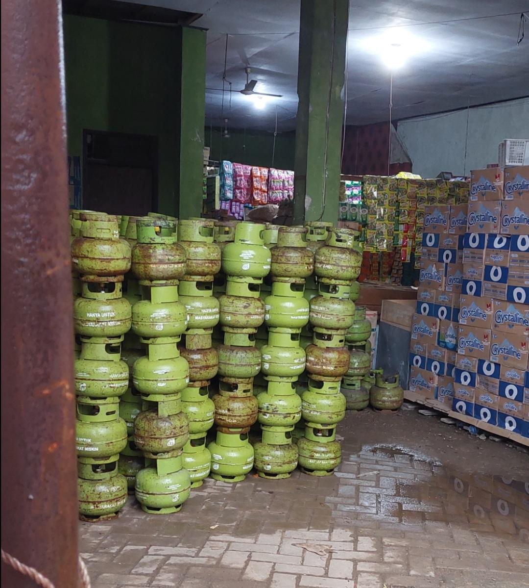 Gambar Wah! Diduga Penjual Elpiji Subsidi Ke Pengecer Warga Ciseureheun Itu Pemilik Pangkalan Desa Kubang Kampil 11