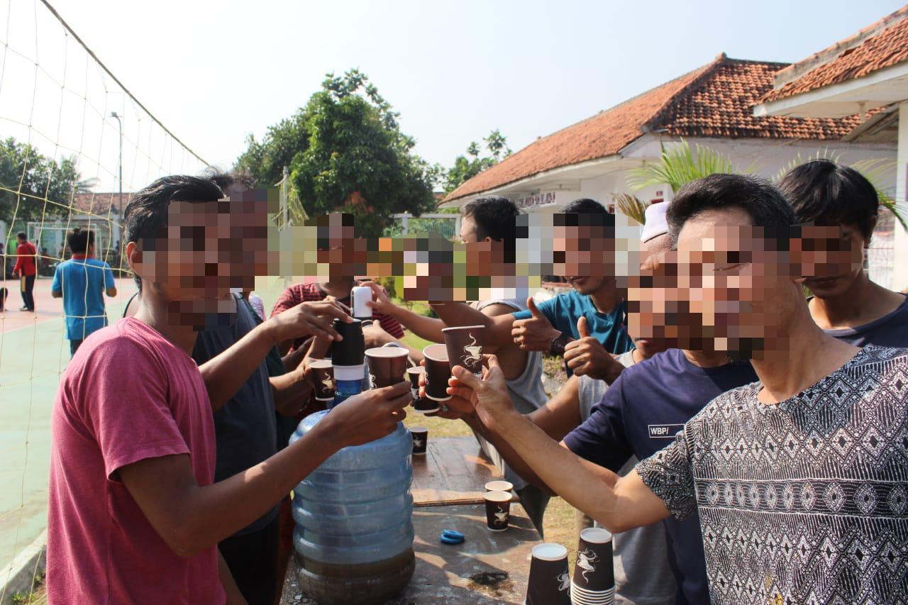 Gambar Jaga Imunitas, Warga Binaan Lapas Serang Minum Jahe Merah Bersama 13