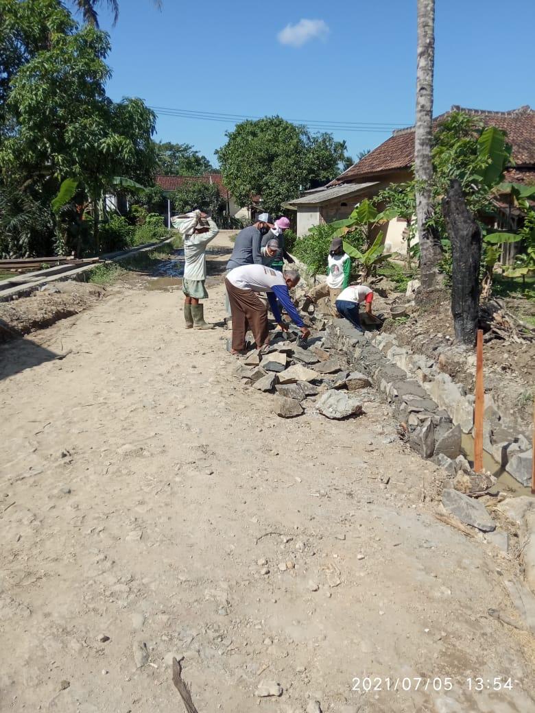 Gambar Proyek DD Sumur Batu TA 2020 Kembali Dilanjutkan 7