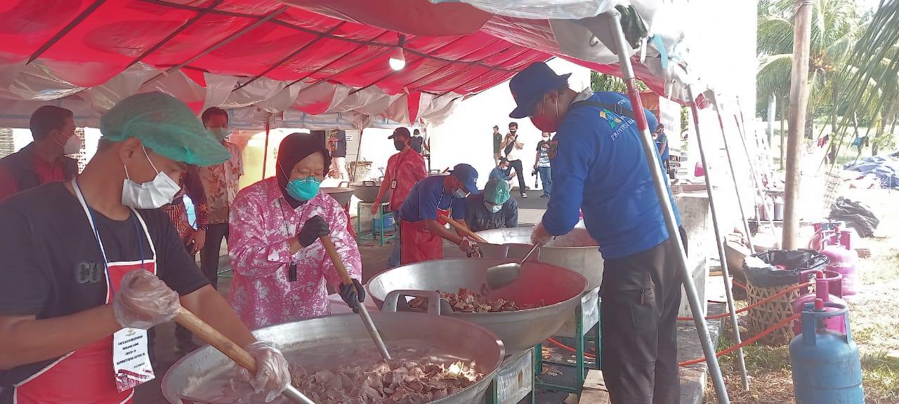 Gambar Pemprov Terjunkan Tagana Banten Dalam Operasi Dapur Umum Kalibata-Jakarta 17