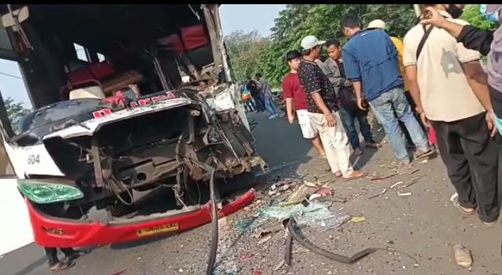 Gambar Murni VS Arimbi di KM 56 Kecamatan Kibin, 8 Penumpang Terluka, 3 Luka Berat 11