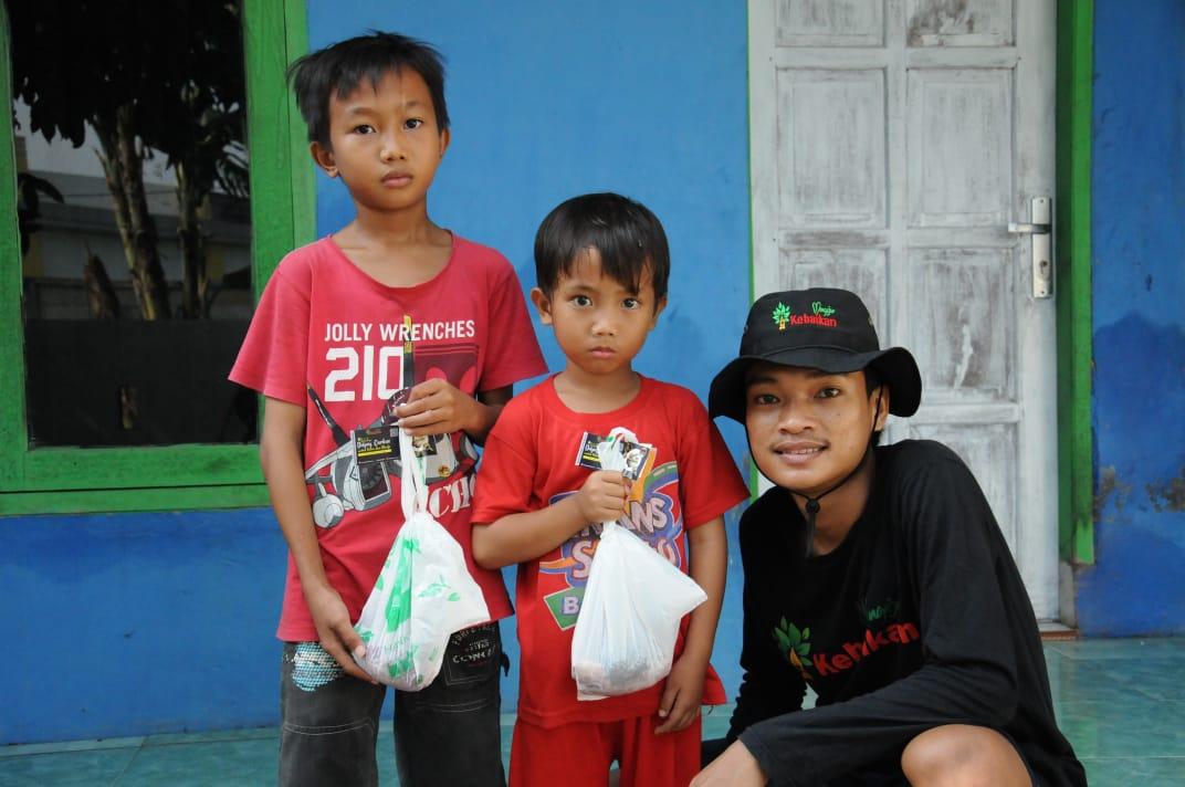 Gambar Distribusikan Daging Qurban untuk Yatim dan Dhuafa 11