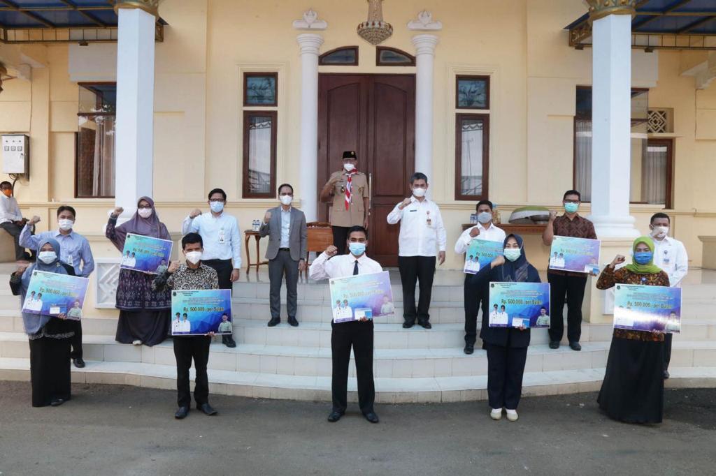 Gambar Kabar Gembira, Pemprov Banten Cairkan Insentif Guru Triwulan II Tahun 2021 13