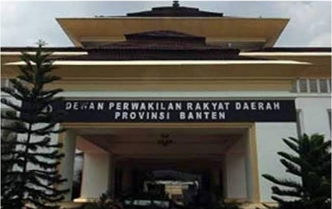 Gambar Pengadaan Kendaraan Dinas Pimpinan DPRD Banten Dibatalkan, Ada Apa? 1