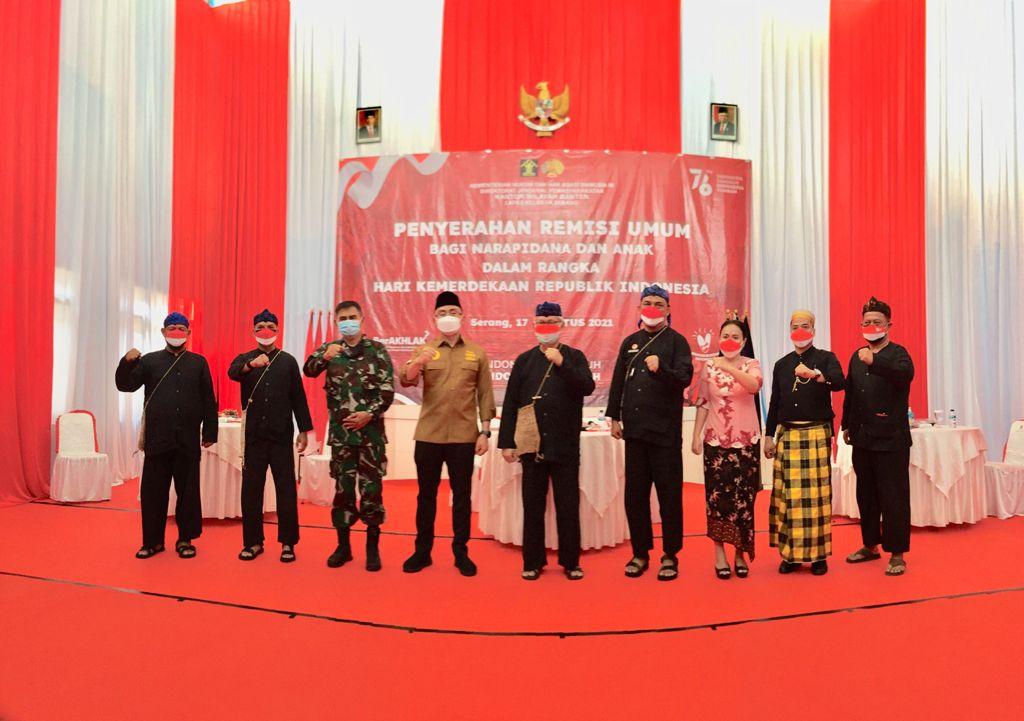 Gambar Jadi Tuan Rumah Penyerahan Remisi, Wakil Gubernur Banten Serahkan Remisi Umum Kepada Napi di Lapas Serang 15