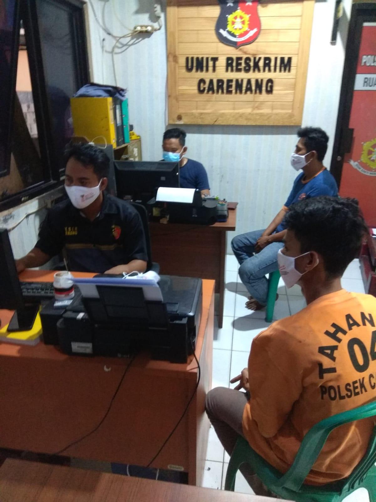 Gambar Tiga Penjudi Domino Diteras Kantor Desa Dicokok Polisi 15