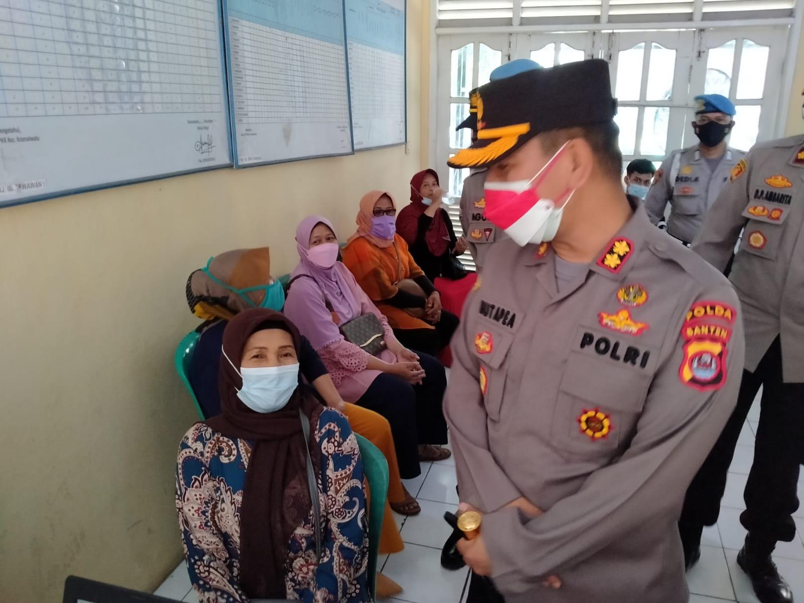 Gambar Kapolres Serang Kota Polda Banten Tinjau Gerai Vaksin Merdeka 1