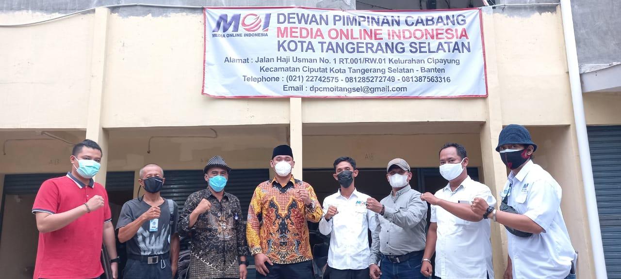 Gambar Legislator Banten Martua Nainggolan Kunjungi Kantor DPC MOI Tangsel 1