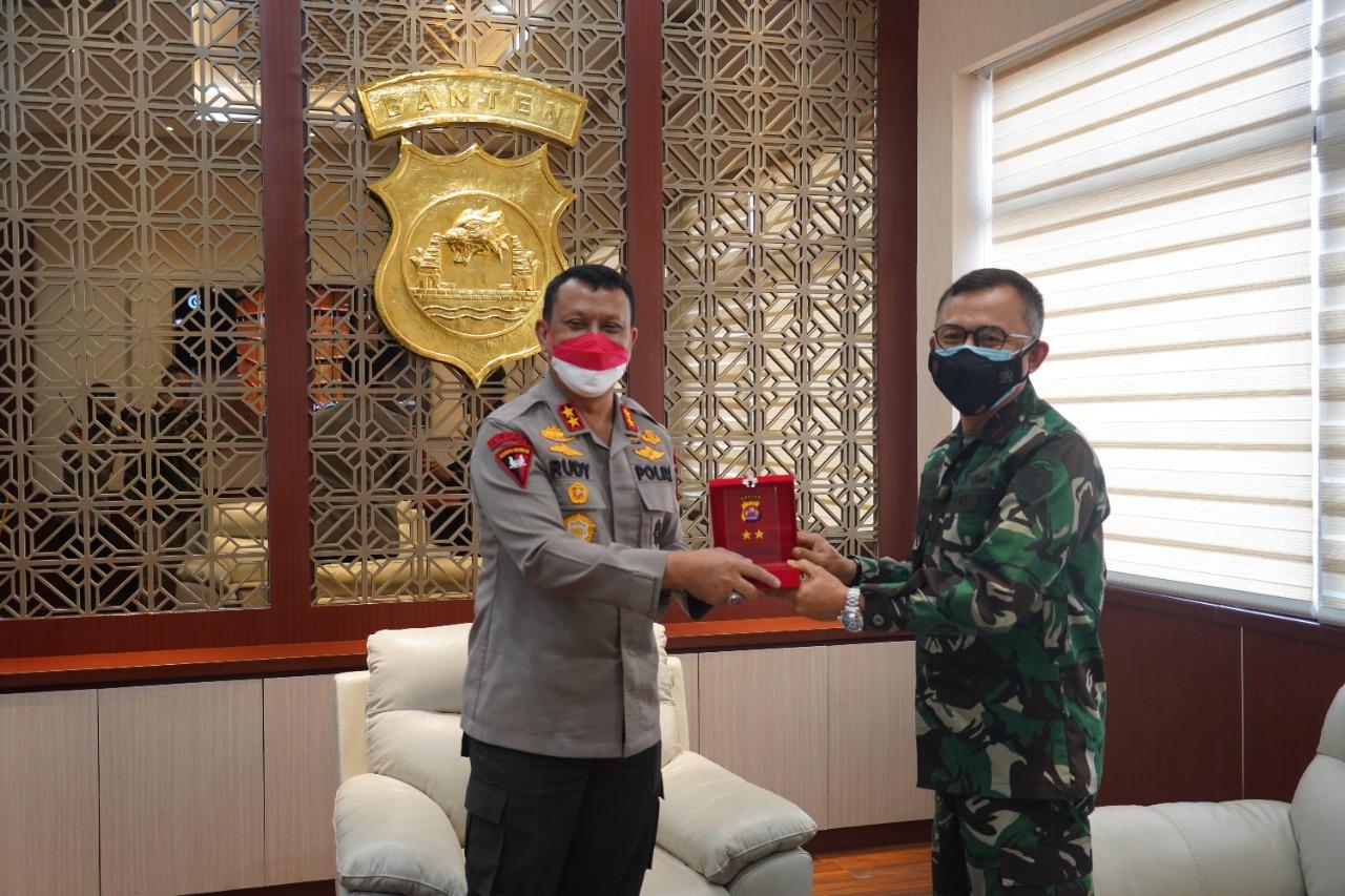 Gambar Danrem 064/MY Kunjungan Silaturahmi ke Kapolda Banten 15