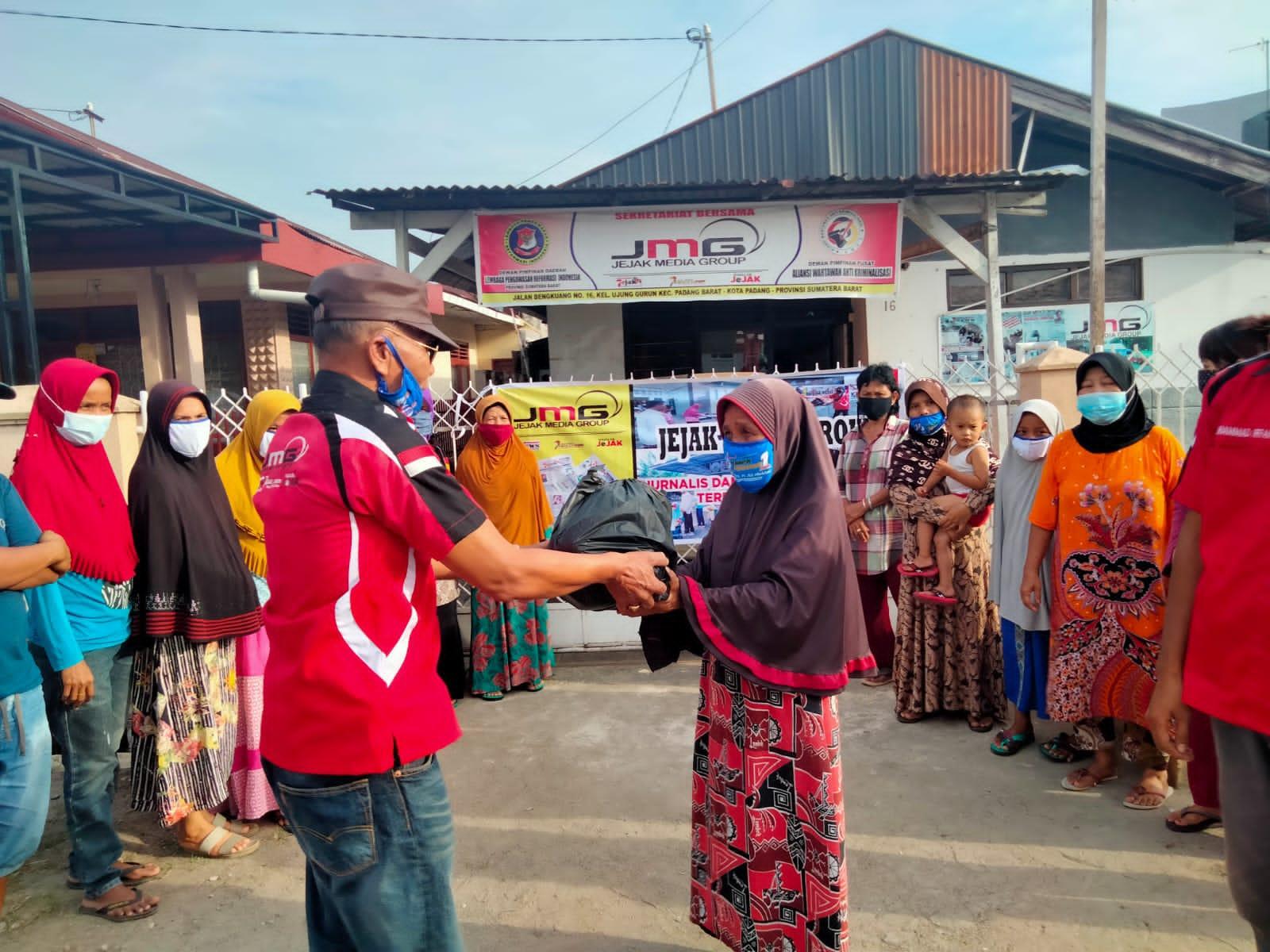 Gambar Ditengah Badai, JMG Tetap Peduli Masyarakat terdampak Covid-19 11