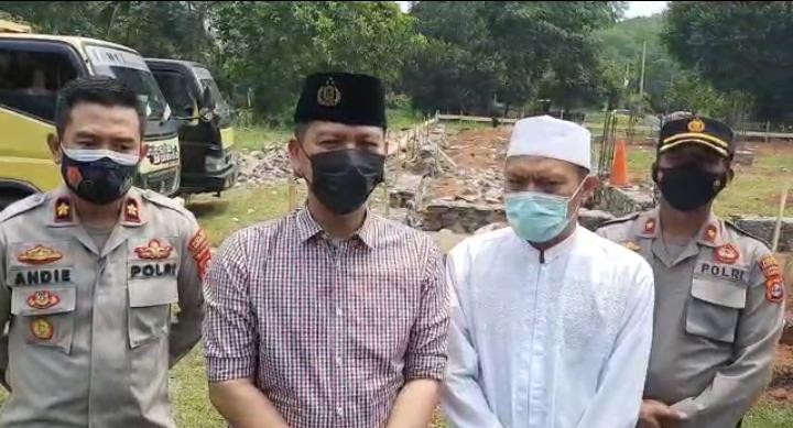 Gambar Kapolres Serang Kota Berikan Bantuan Pembangunan Masjid 19