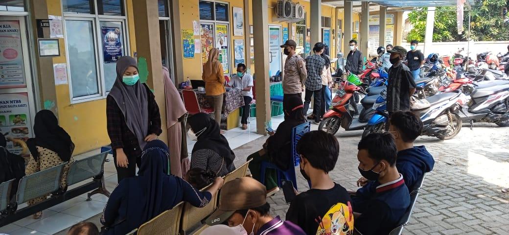 Gambar Vaksinasi Covid-19, Polsek Kasemen Polres Serang Kota Pantau Prokes 13