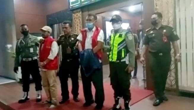 Gambar Mantan Sekdis Dindikbud Banten Ditahan Kajati Banten Lantaran Tersangkut Kasus Rp 800 Juta 1