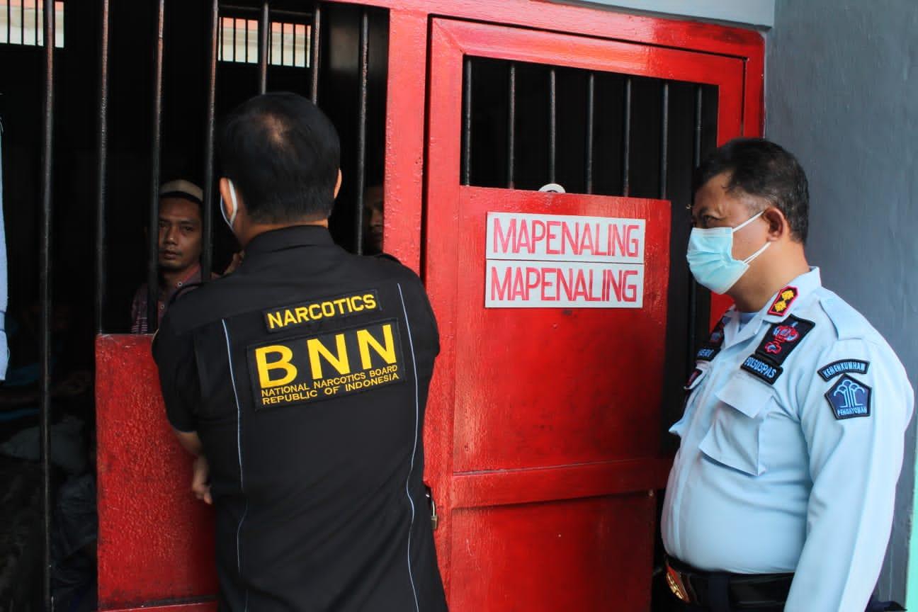 Gambar Jalin Sinergitas, Kepala BNN Provinsi Banten Kunjungi Lapas Serang 15