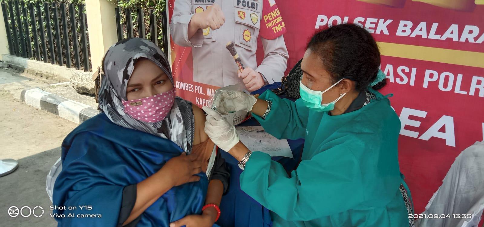 Gambar Anggota MOI Kabupaten Tangerang Ikut Vaksin Massal di Polsek Balaraja 17
